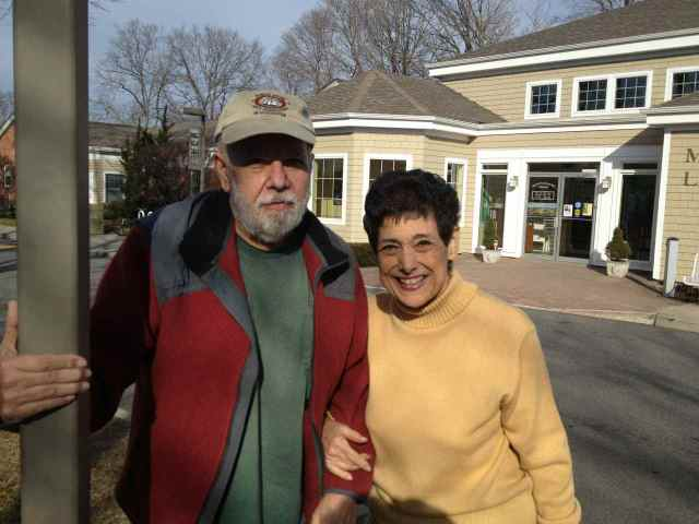 Joe & Lucille Occhipinti at Mitch Kahn's concert in Mattituck.