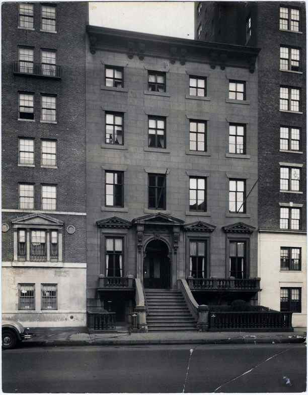 Facade of 47 Fifth Avenue c. 1940s
